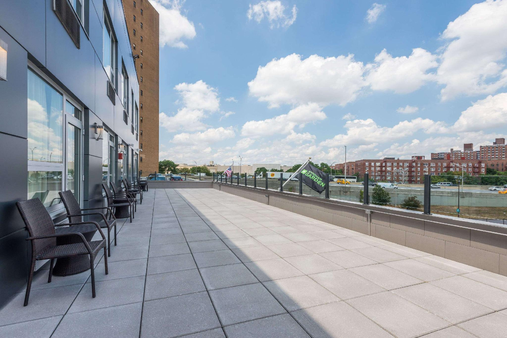 Wyndham Garden Laguardia South In New York Ny Room Deals Photos Reviews