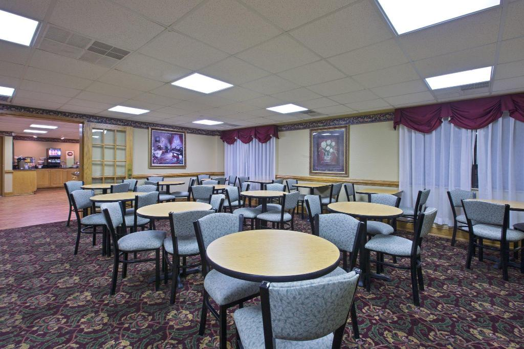 Kafe Country Inn & Suites By Carlson - Busch Gardens Area