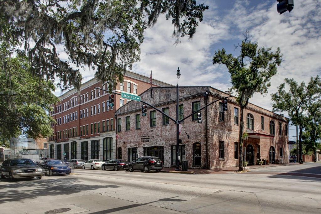 Staybridge Suites Savannah Historic District Savannah Ga Best Price Guarantee Mobile Bookings Live Chat