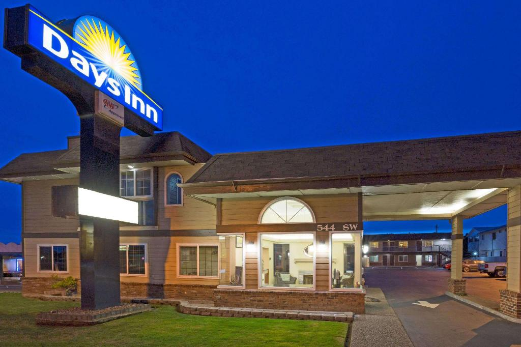 More about Days Inn by Wyndham Newport OR