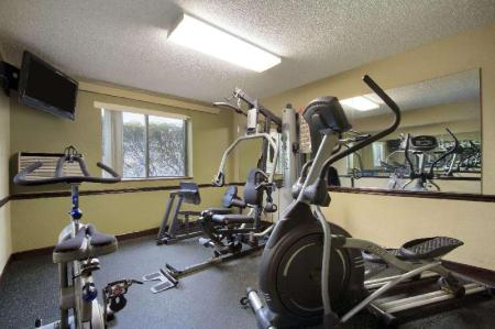 centru de fitness Super 8 By Wyndham Homewood Birmingham Area