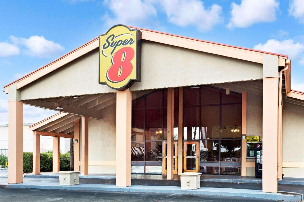 Super 8 By Wyndham Kissimmee Maingate Orlando Area