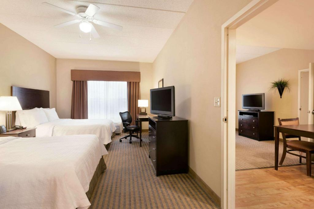 1 King or 2 Queen Mobility Hearing Accessible 3X3 Shower Non-Smoking - Guestroom Homewood Suites by Hilton Minneapolis/St. Louis Park