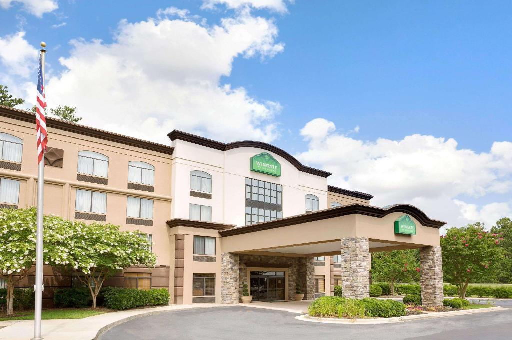 Exterior view Wingate by Wyndham Raleigh Durham / Airport
