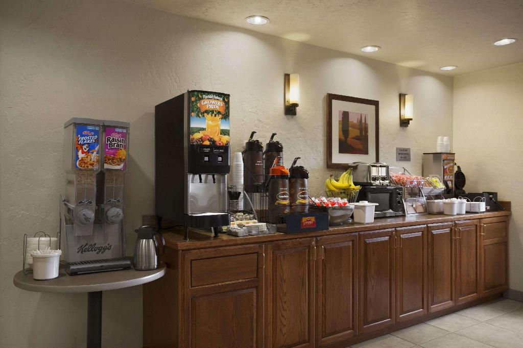 Kafe Super 8 By Wyndham Portland Airport