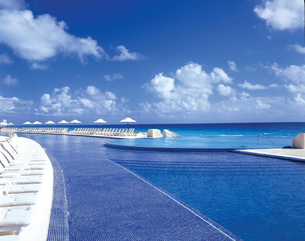 Swimming pool [outdoor] Live Aqua Beach Resort Cancun - Adults Only - All Inclusive