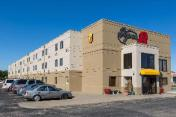 Super 8 By Wyndham Wichita North