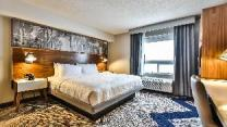 Super 8 By Wyndham Toronto North