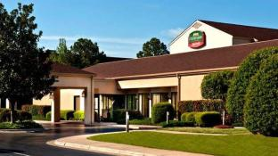 Hotels Near Red Lobster Fayetteville Nc Best Hotel Rates Near Restaurants And Cafes
