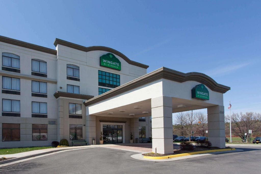 Exterior view Wingate by Wyndham Chantilly / Dulles Airport