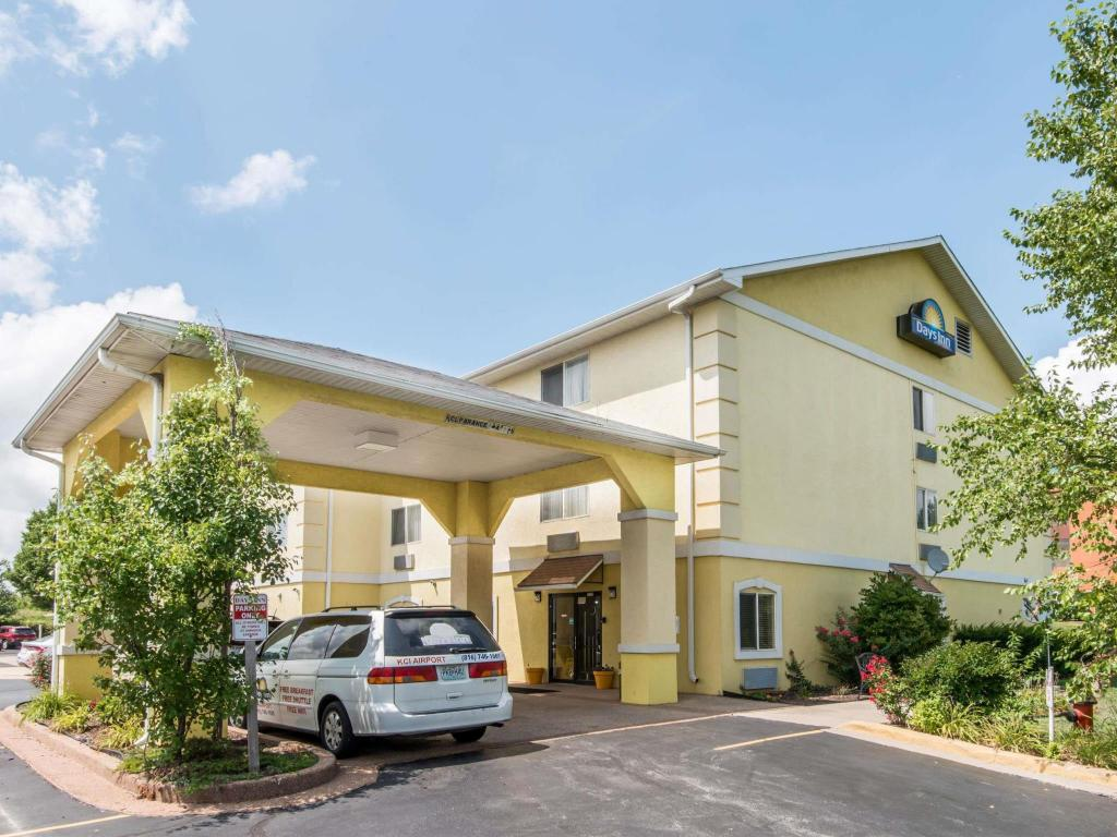 More about Days Inn by Wyndham Kansas City International Airport