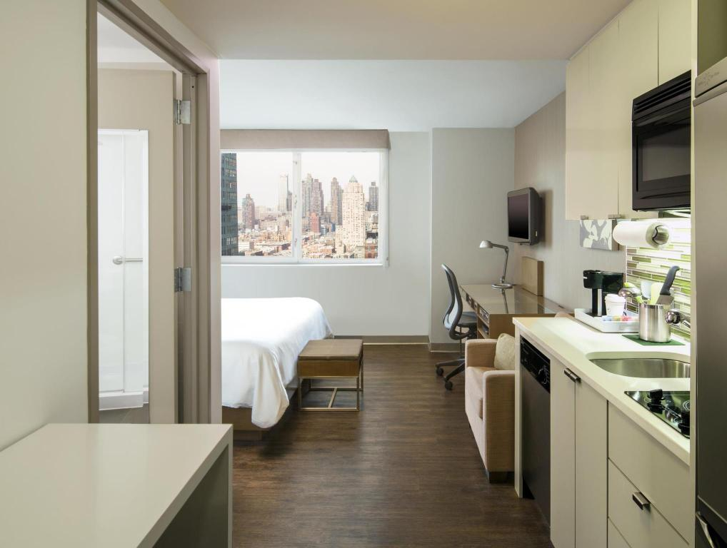 Studio King - Guestroom Element New York Times Square West