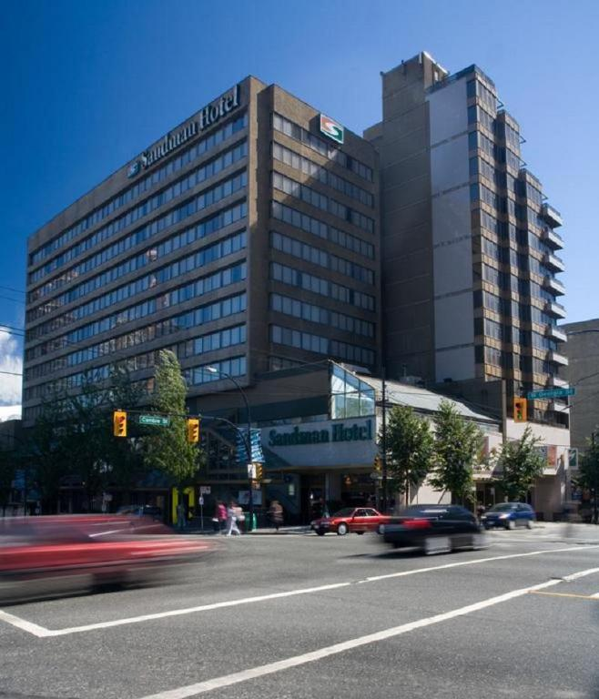Sandman Hotel Vancouver Reviews