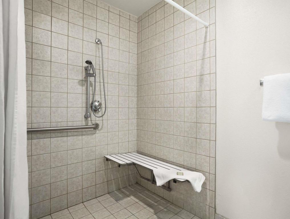 Bathroom Super 8 by Wyndham Susanville