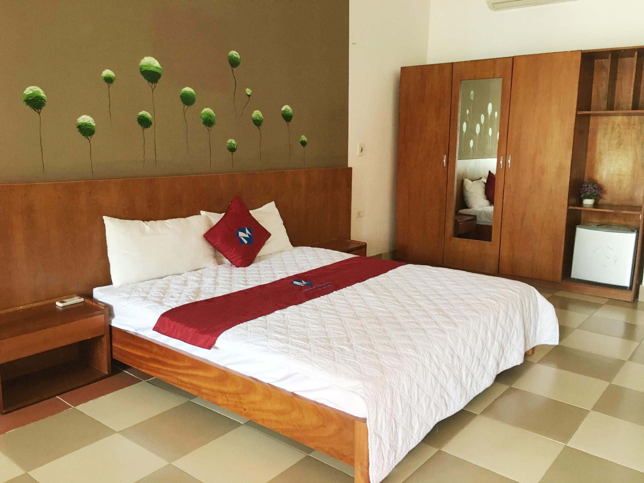 Best Price on Minh Chau Resort in Halong Reviews