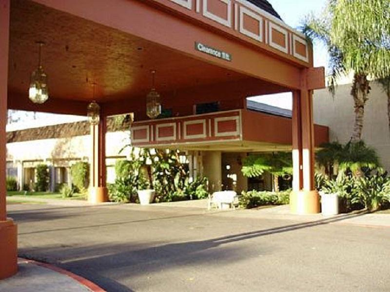Fresno Yosemite International Airport Map and Hotels in Fresno