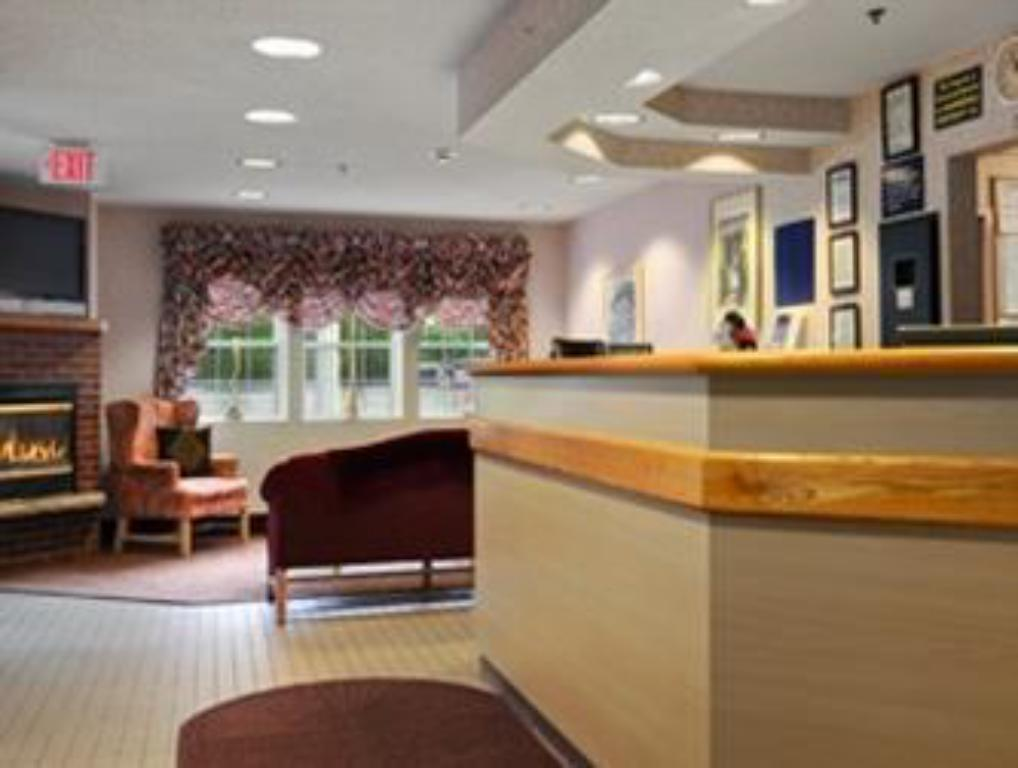 Lobby Microtel Inn & Suites by Wyndham Baldwinsville/Syracuse