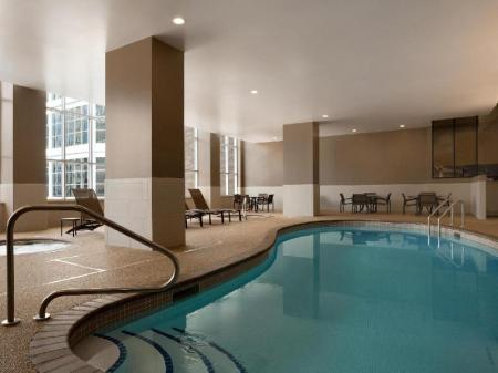 Swimming pool Hyatt Place Minneapolis Downtown