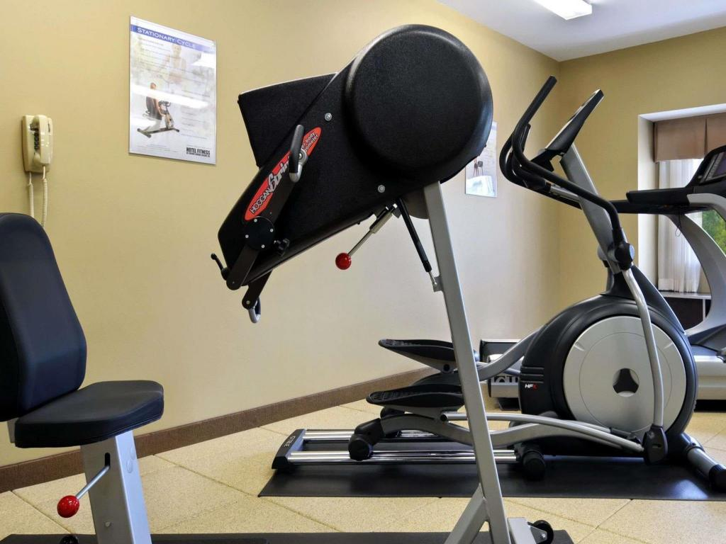 gym Microtel Inn & Suites by Wyndham Marietta