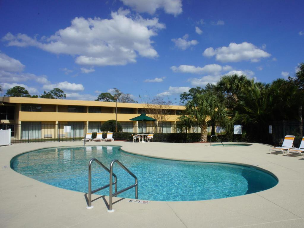 Swimmingpool La Quinta Inn Daytona Beach/International Speedway