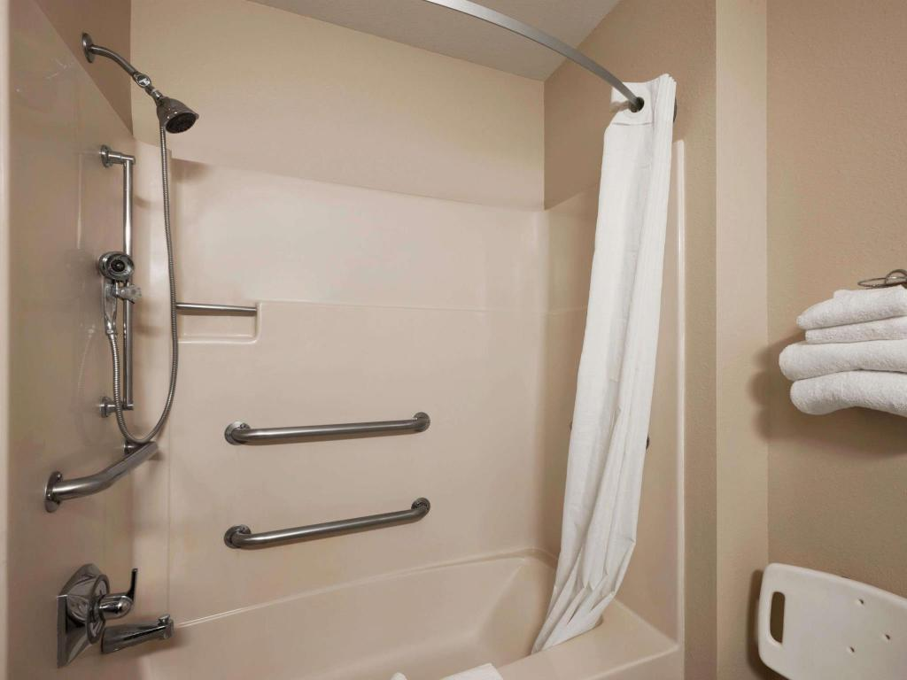 Baño Super 8 By Wyndham Cromwell/Middletown