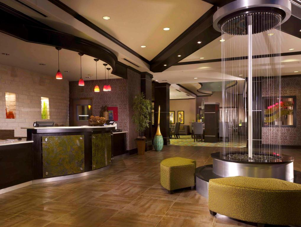 Vestíbulo La Quinta Inn & Suites Dallas Grand Prairie South