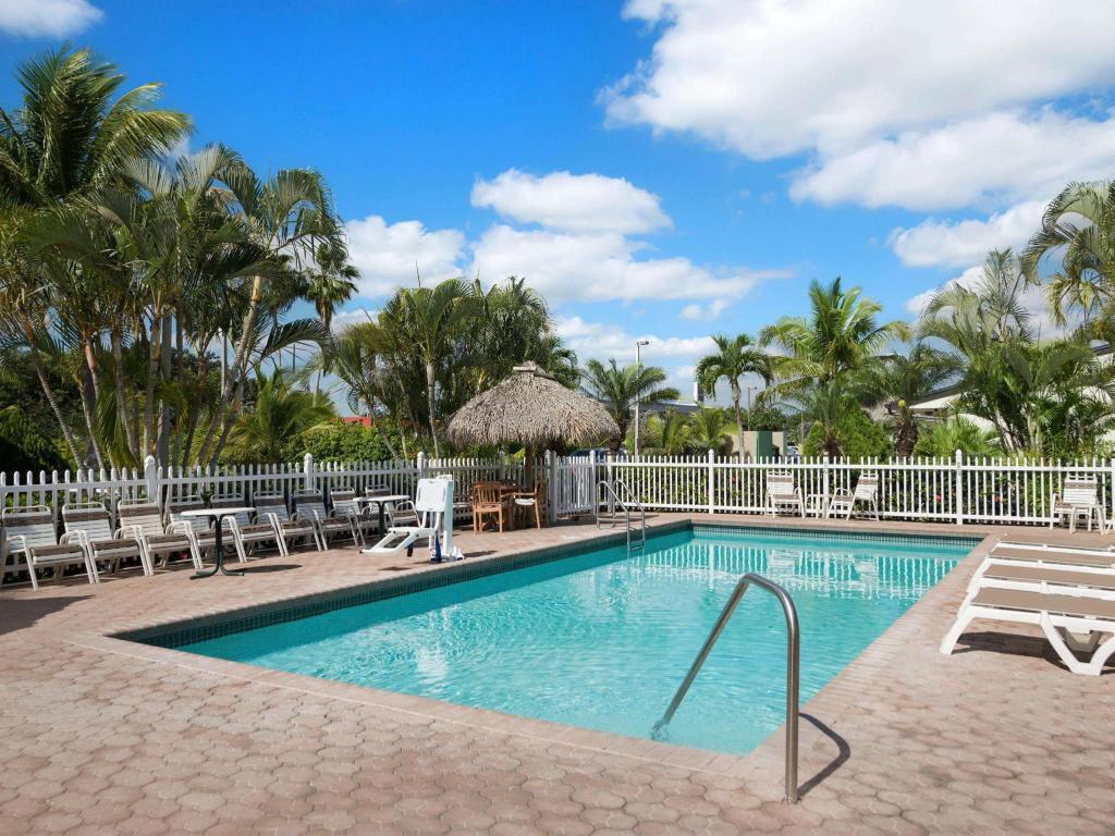 Swimming pool Travelodge by Wyndham Florida City/Homestead/Everglades