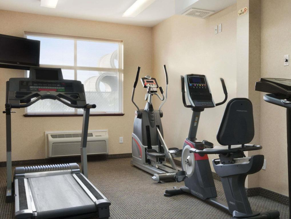 Centro de fitness Days Inn & Suites by Wyndham Langley