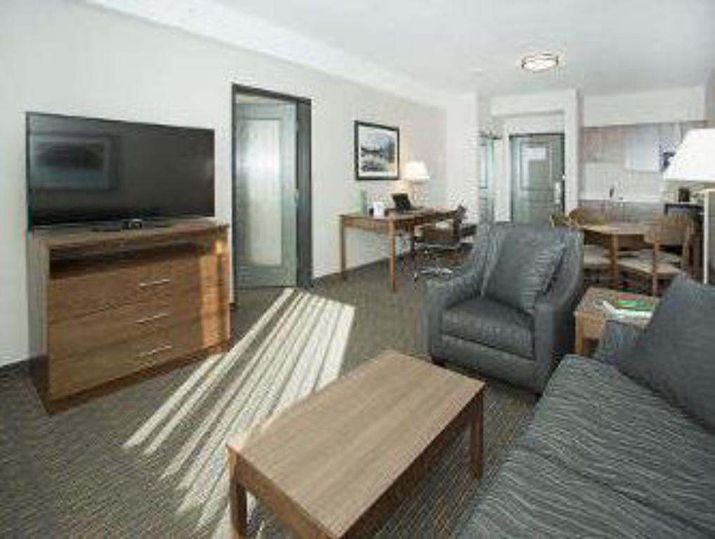 Vista interior Wingate by Wyndham Calgary Airport
