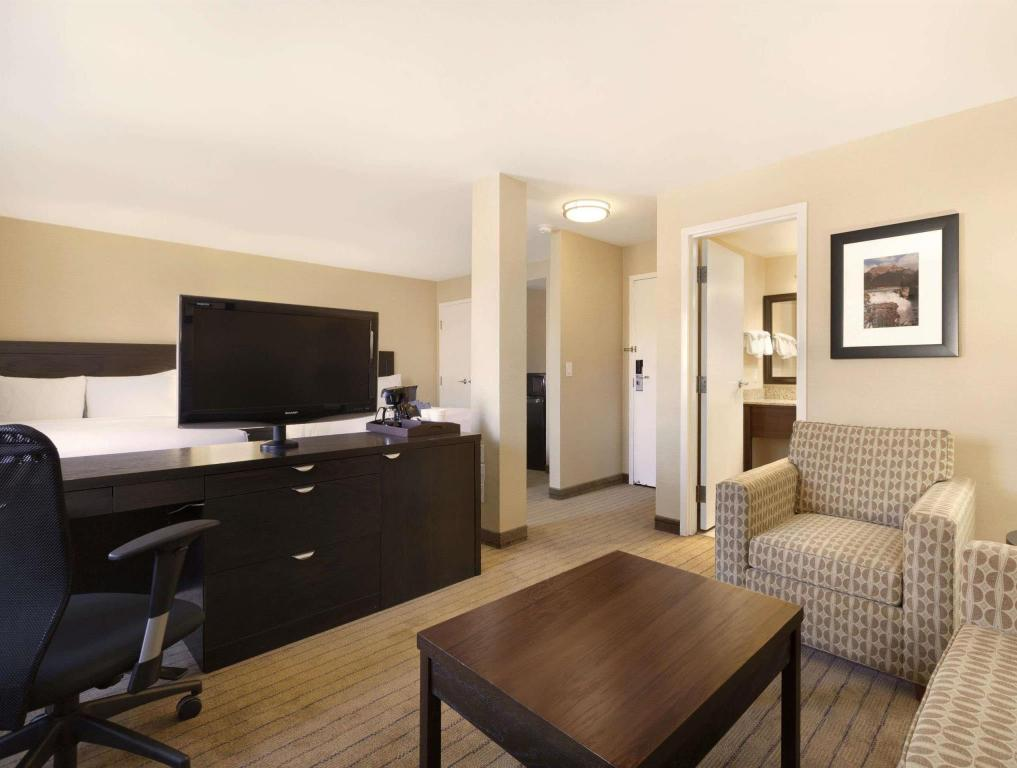Hotellet från insidan Travelodge Calgary Macleod Trail