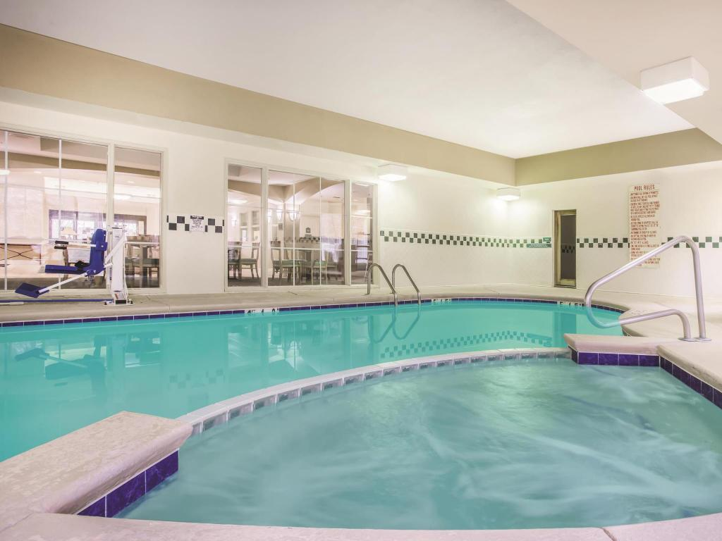 Piscina La Quinta Inn & Suites Atlanta Stockbridge