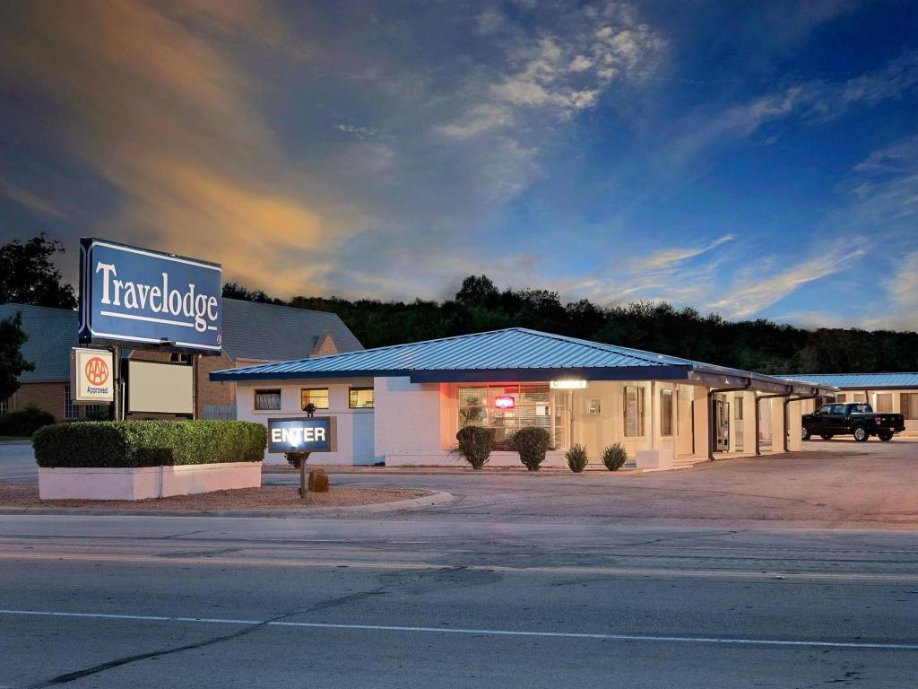 Tampilan eksterior Travelodge by Wyndham Ozona