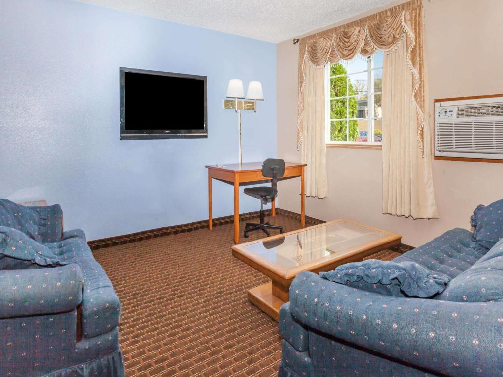 Vista interior Super 8 by Wyndham Johnstown/Gloversville