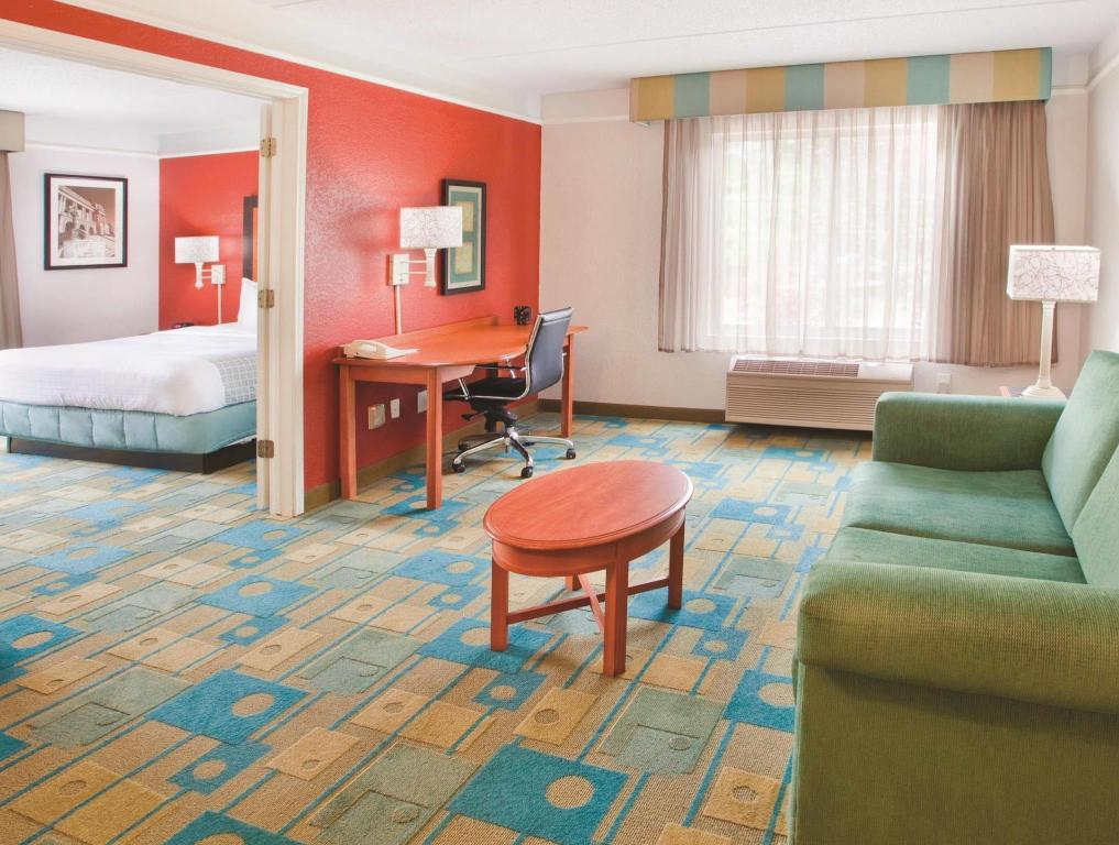 Tampilan interior La Quinta Inn & Suites Charlotte Airport South