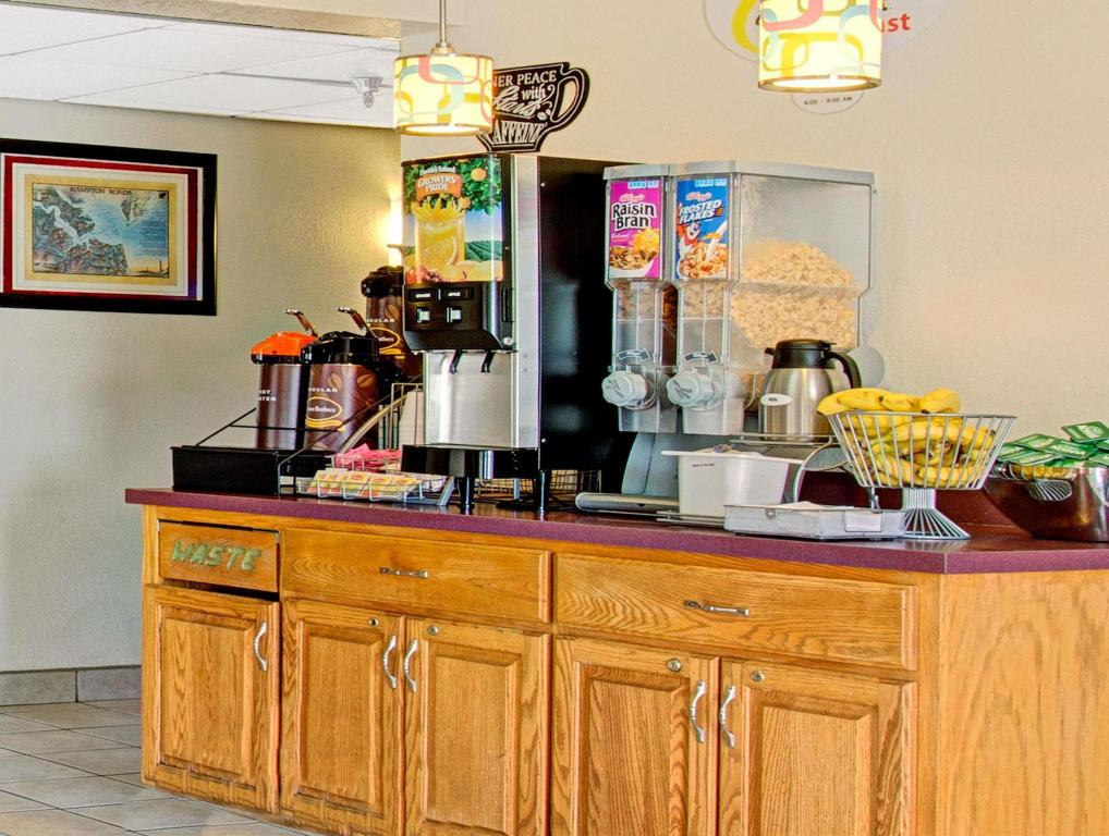 Café Super 8 By Wyndham Newport News/Jefferson Ave.