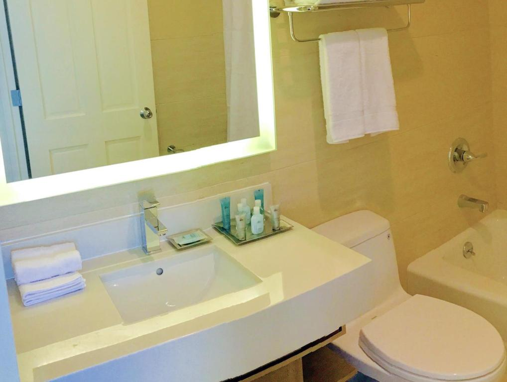 Wyndham Garden Fresh Meadows Flushing In New York Ny Room Deals Photos Reviews
