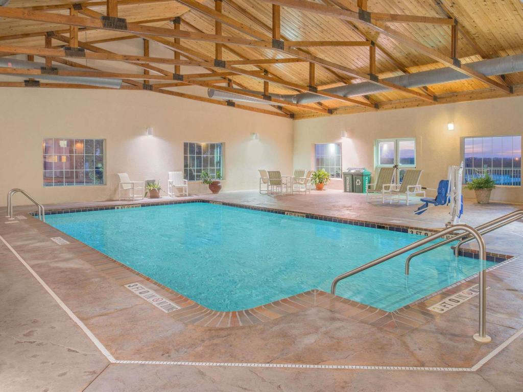 Piscina Microtel Inn & Suites by Wyndham Quincy