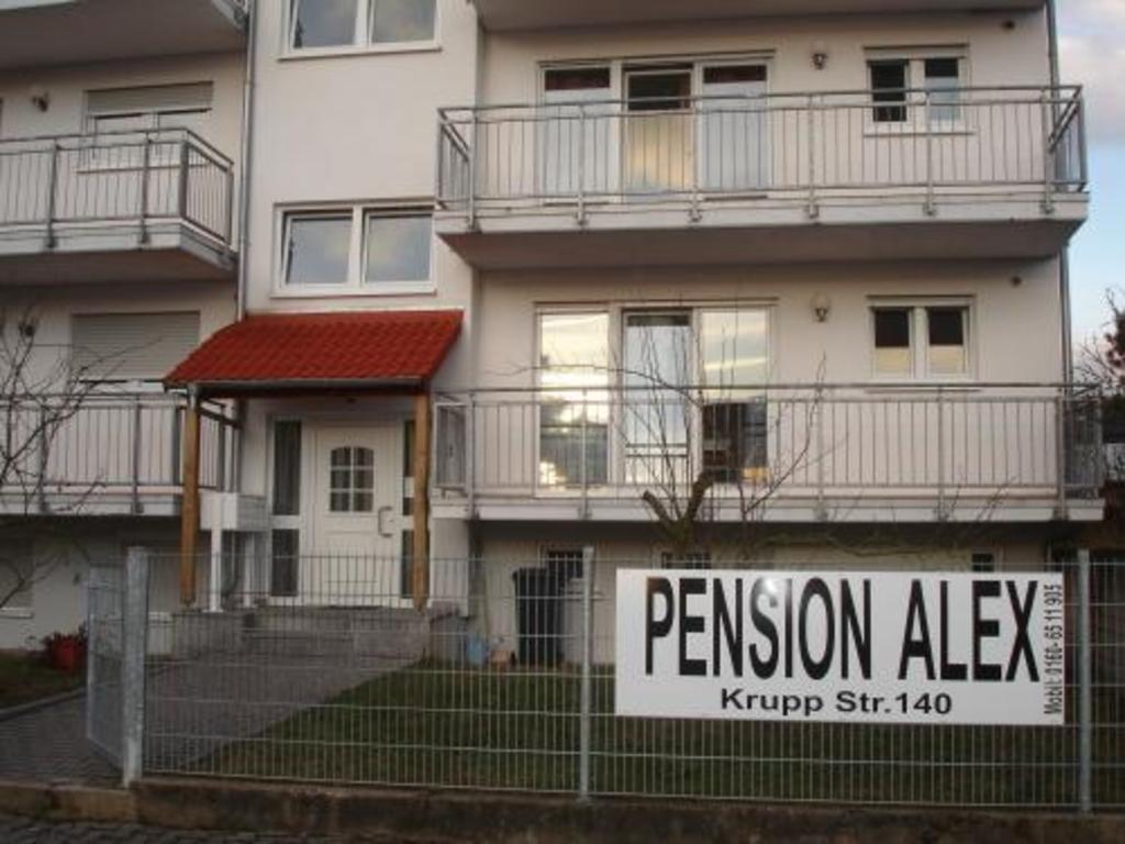 My polacy frankfurt nad menem mieszkania