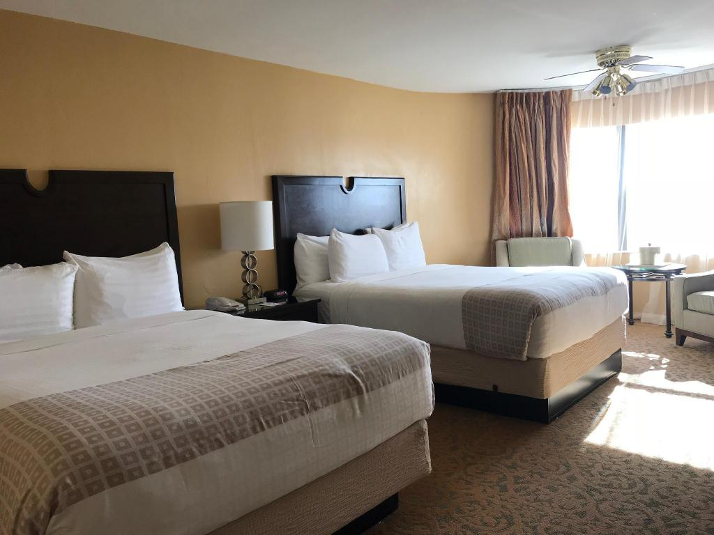 Premium Queen Room with 2 Queen Beds - Denah kamar The Morgan Hotel San Simeon