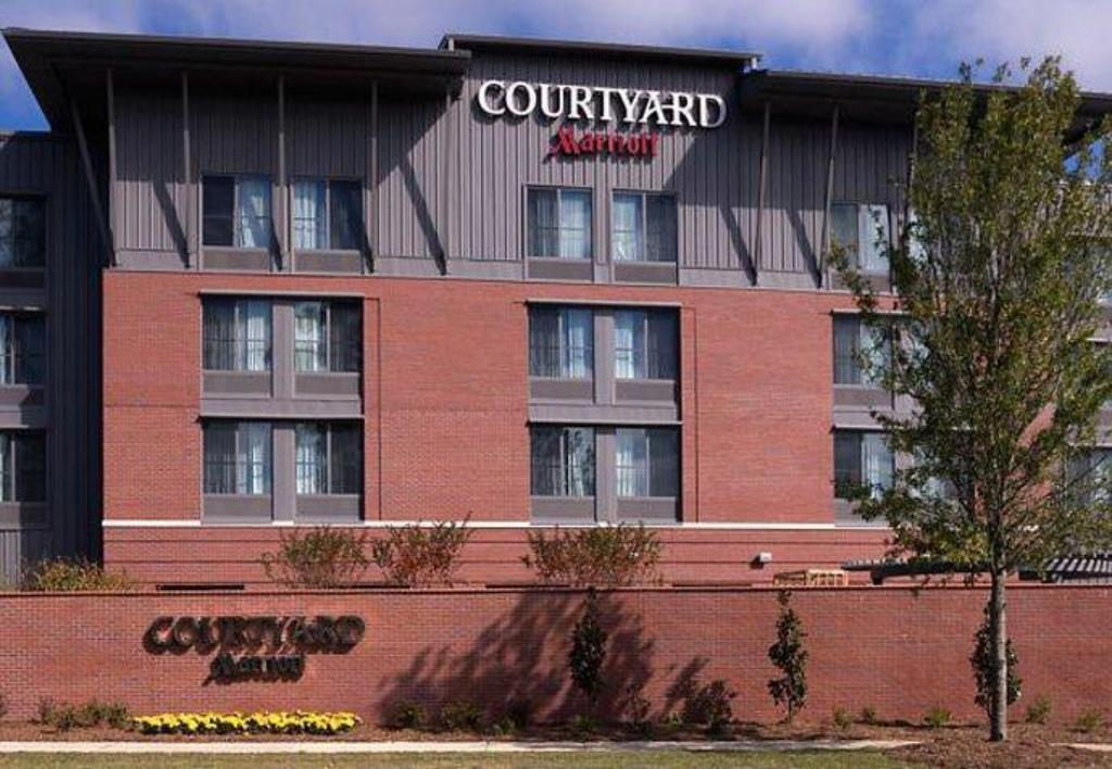 More about Courtyard Charleston Summerville