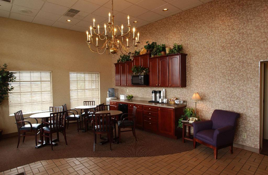Lobi Bluegrass Extended Stay