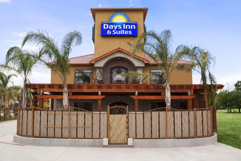 More about Days Inn & Suites by Wyndham Houston North-Spring
