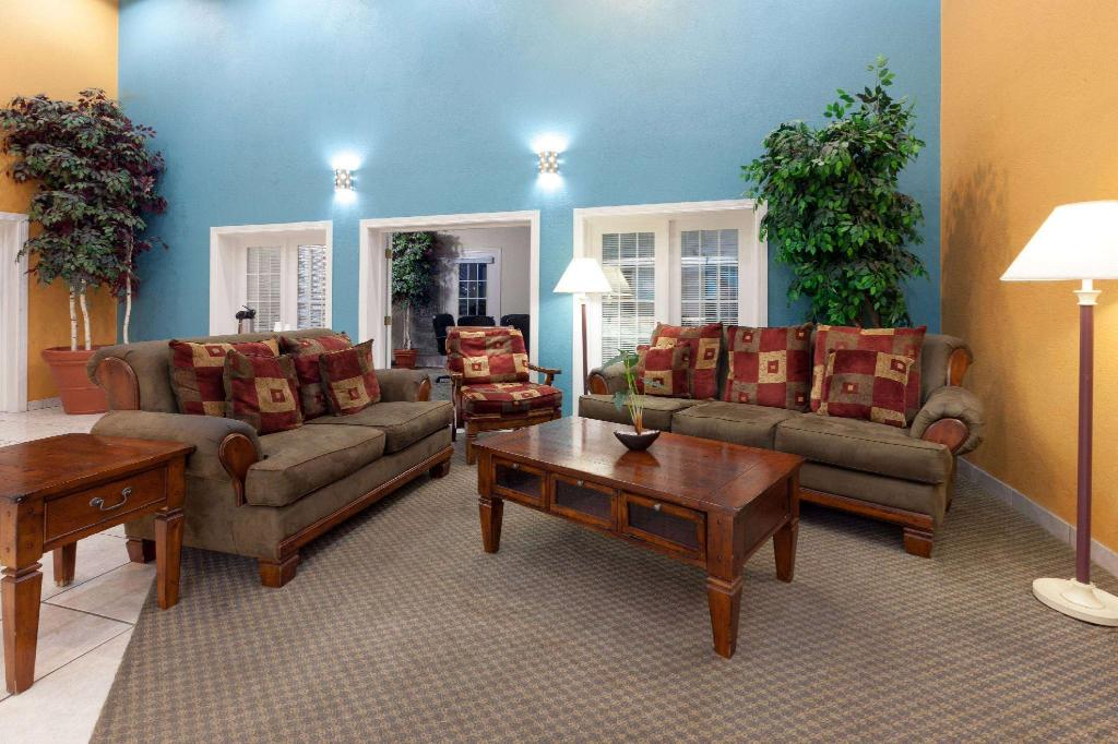 Lobby Baymont by Wyndham Amarillo West
