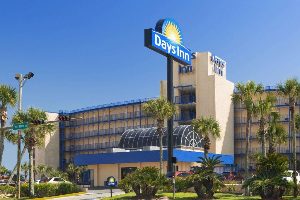 Days Inn By Wyndham Panama City Beach Ocean Front Motel