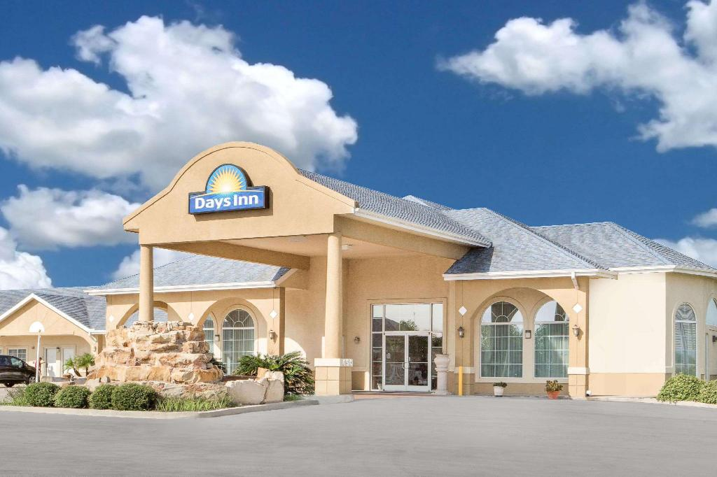 More about Days Inn by Wyndham Robstown