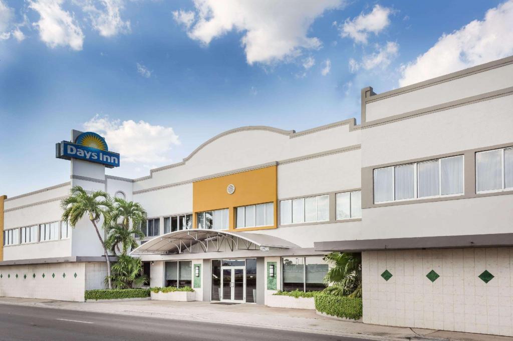 days inn by wyndham miami airport north in miami fl room deals