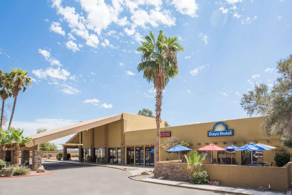More about Days Hotel by Wyndham Peoria Glendale Area