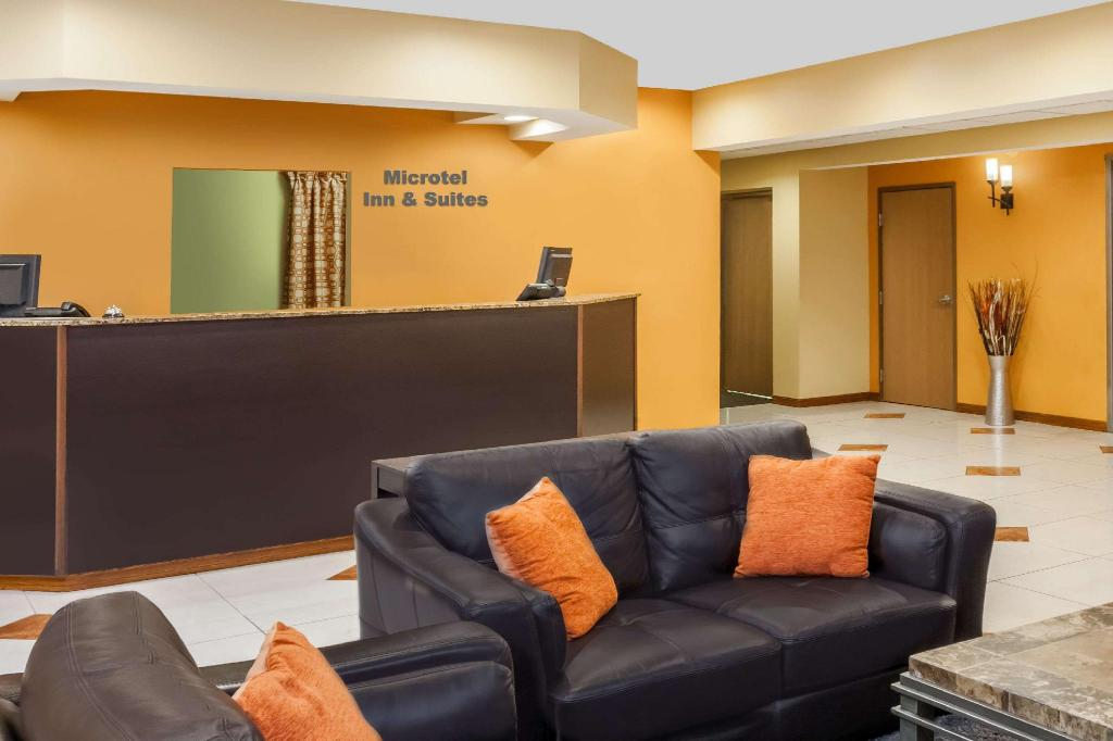 Lobi Microtel Inn & Suites by Wyndham South Bend/At Notre Dame