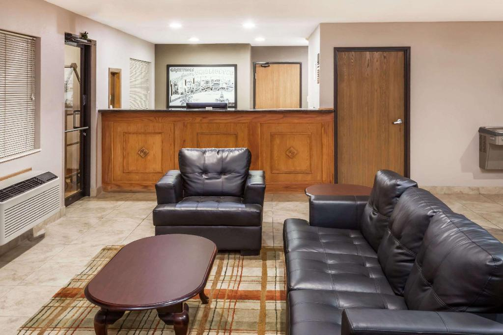 Lobby Super 8 By Wyndham Chillicothe