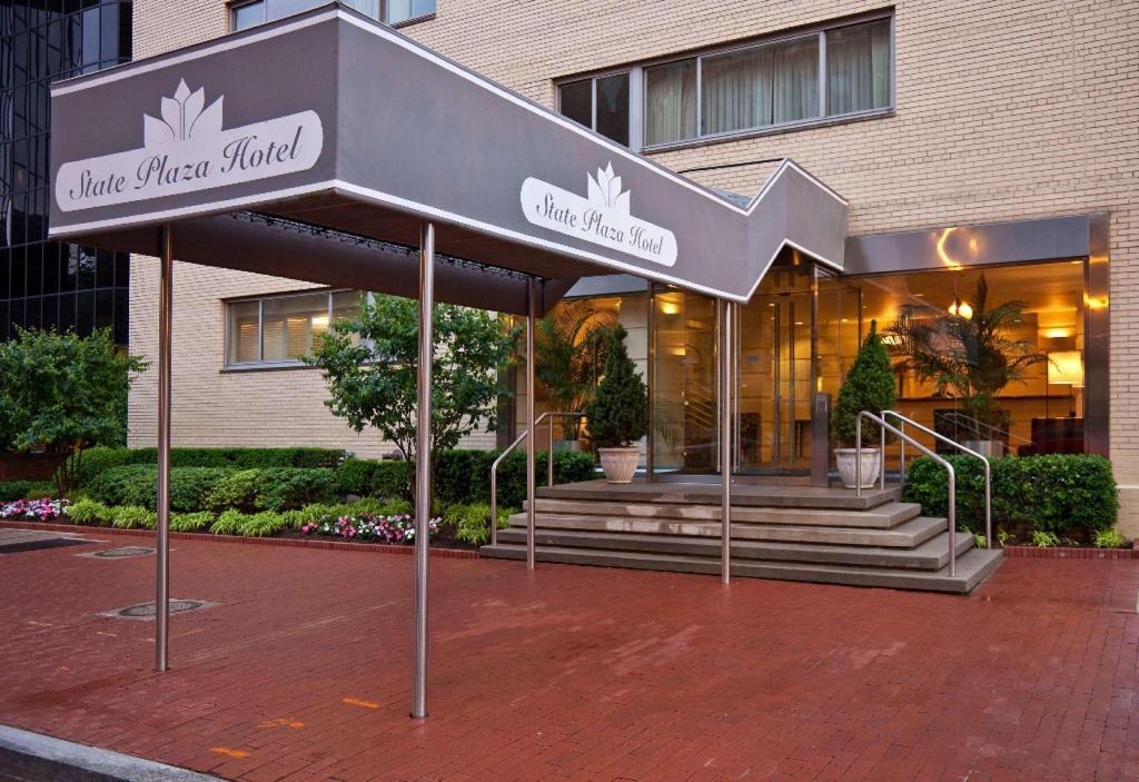 best price on state plaza hotel in washington d c reviews. Black Bedroom Furniture Sets. Home Design Ideas